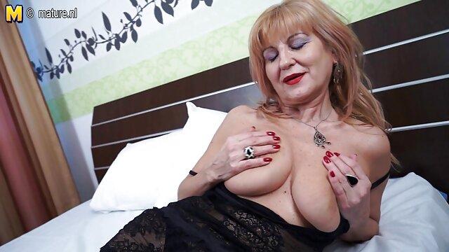 Pornó nincs regisztráció  crimpai modell Amatőr videóban = ingyen durva pornó a legrosszabb Karácsony a barátja történetében