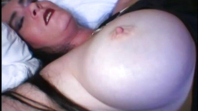 Pornó nincs regisztráció  Esmerelda nap-gyönyörű lány ingyen nezheto sex levetkőzik, maszturbál a kakas