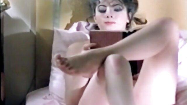 Pornó nincs regisztráció  a csaj csodálatos ábra elvezetését a vibrátor porno filmek ingyen az öltözőben