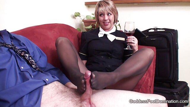 Pornó nincs regisztráció  A férj felébresztette az nagyiszex ingyen érett nőt, hogy megdugja a seggét.