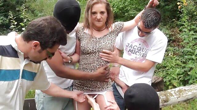 Pornó nincs regisztráció  A férj feldühíti Érett Felesége melleit, majd leveszi őket. ingyen szex pornó