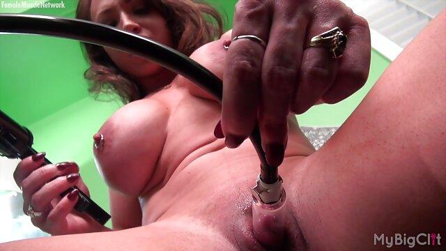 Pornó nincs regisztráció  Az orosz lány ült amatőr pornó ingyen a végbélnyílásával egy kövér kakas nagy golyókkal.