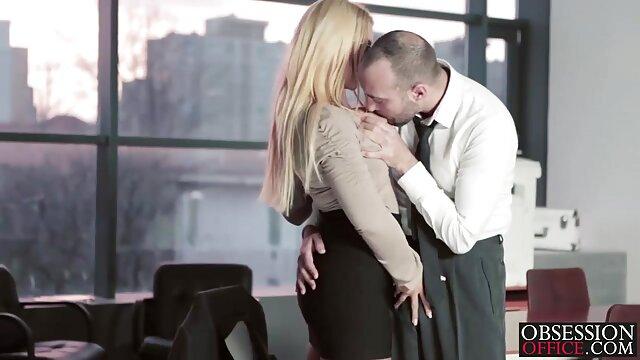 Pornó nincs regisztráció  Hat fickó anya lánya sex video Las Vegasban Daisy Stone-t fedte le az AVN kiállítás előtt.