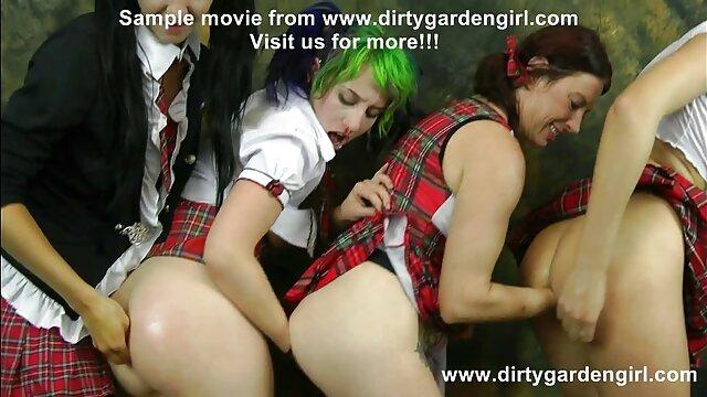 Pornó nincs regisztráció  A pár közelről forgatta íngyen pornó xex az első anális szexet.