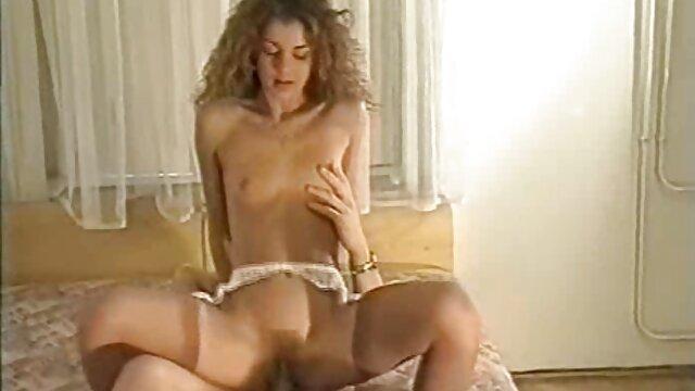 Pornó nincs regisztráció  Az ember megőrül az öregasszony szőrös puncija szexvideó letöltés miatt