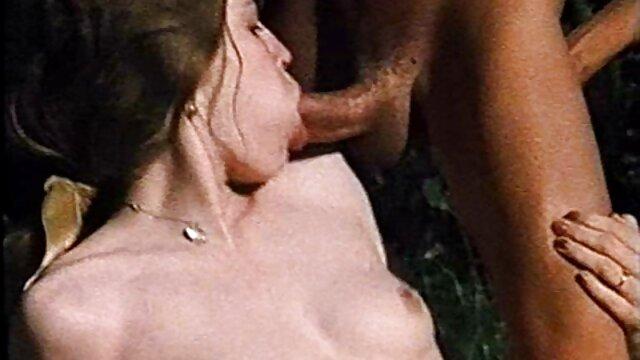 Pornó nincs regisztráció  Nagyik szeretik a fajok közti szex filmek ingyen penetráció egy nagy fekete kakas, majd lenyelni forró cum.