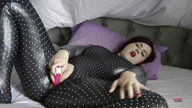 Pornó nincs regisztráció  Piszkos Lilly rábaszik a fejét, majd szar a kollégiumi. szex videok ingyen